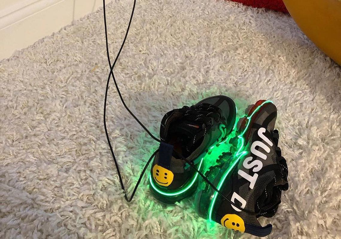 8f8965f2e3f95 It s lit (literally)  the friends and family version of CPFM s Vapormax  2019 features glowing neon details https   snkrne.ws 2GPCJfL  pic.twitter.com  ...
