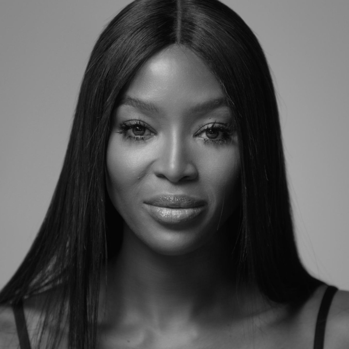 """""""I don't have time to waste."""" Naomi Campbell wears the white ceramic version of the new J12 watch and tells us about how she views time and the seconds that changed her life. Discover on http://chanel.com/-j12NaomiCampbell… #TheNewJ12 #CHANELWatches #ItsAllAboutSeconds"""