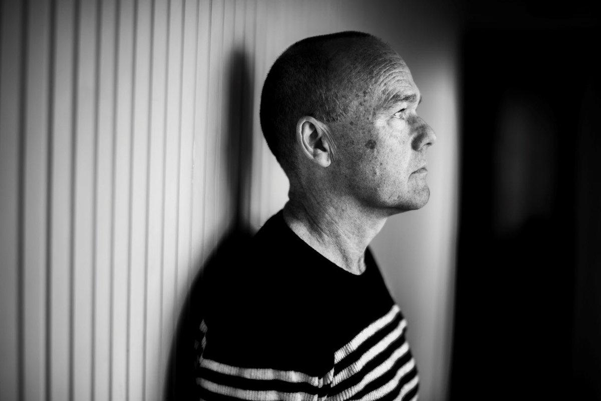 newest 7504b 41d30  PeterOevig blev under arbejdet med at skrive en bog om sin psykisk syge  mor selv så syg, at han måtte indlægges  psykiatri  depression  https   k.dk s IE5d ...