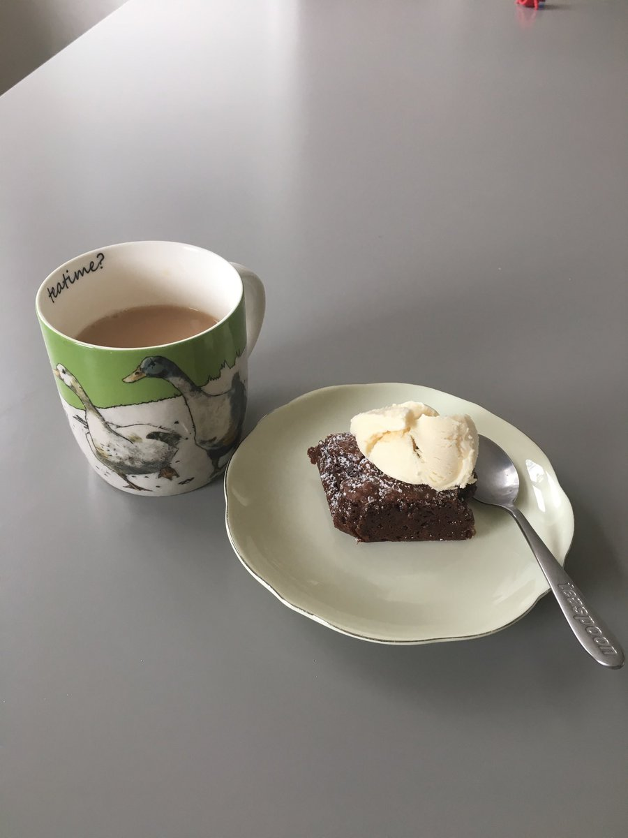 The @littlegspoon nut free fudge brownies are delish .. I made them on the day and put them in the tin and as you said kept perfectly ! I also made the Quinoa stuffed aubergine served with sea bass - was delicious ! 👏😍👍👍 https://t.co/nTy0F05gAw