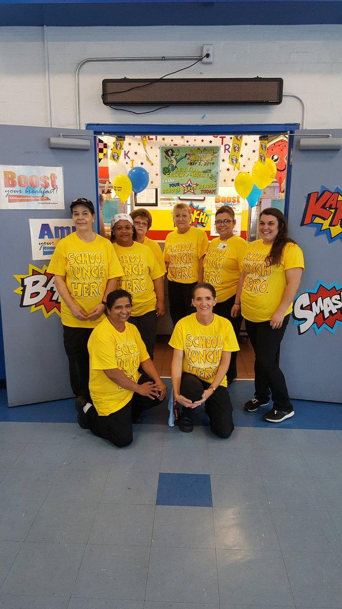 So happy @MclaneSchool to have such fantastic School Lunch Heroes!