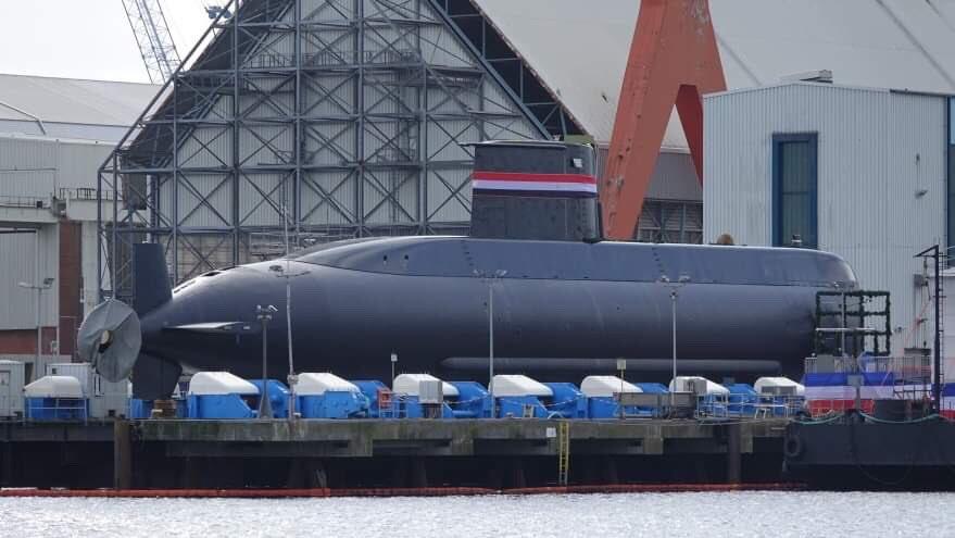 القوات البحرية المصرية تتسلم الغواصة الثالثة الألمانية الصنع المتطورة من الفئة Type-209/Mod1400 والتي تحمل الترقيم S43 في مدينة كيل الألمانية. D5qTqrJW4AAVbTk
