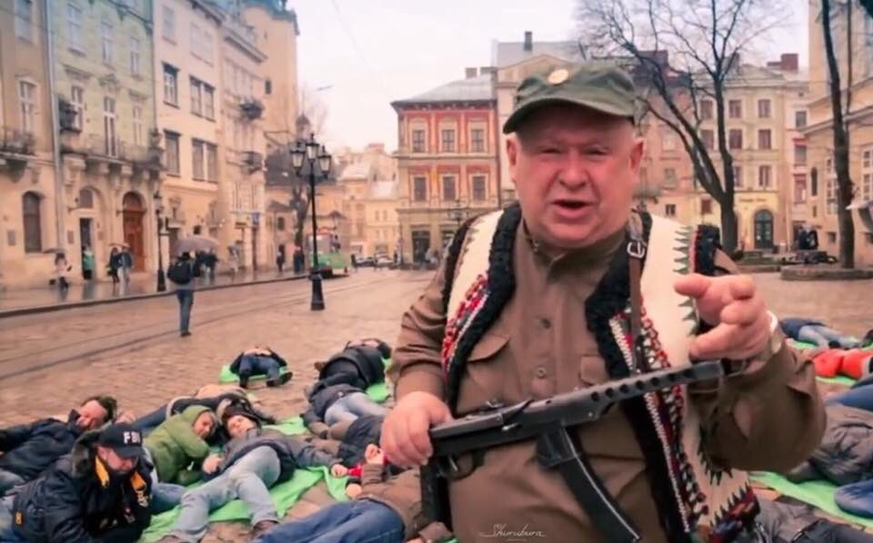 """Участники """"Бессмертного полка"""" в Португалии напали на украинцев, организовавших альтернативную акцию - Цензор.НЕТ 3687"""