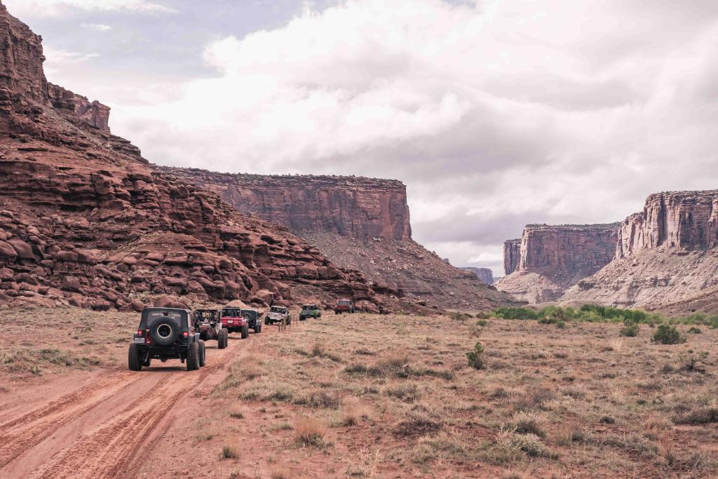 Throwing back to last month #EasterJeepSafari in Moab, Utah. Sand, dust and #offroad lovers. What more could we ask for? #BuiltOnBFG <br>http://pic.twitter.com/bh2wccyX0R