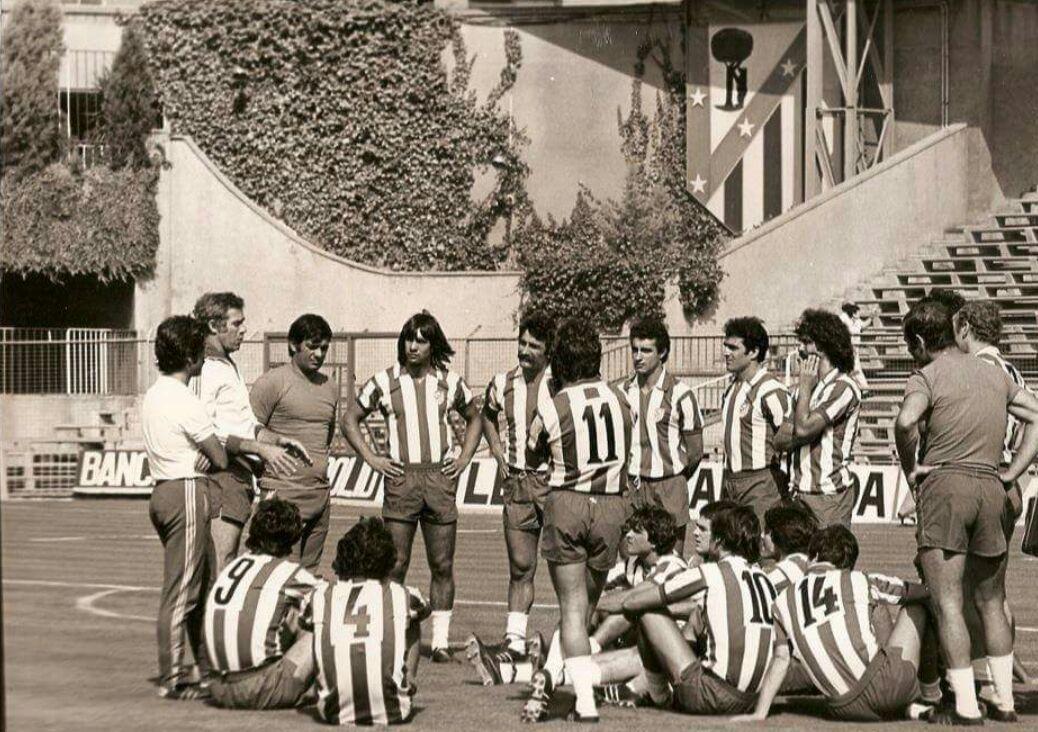FOTOS HISTORICAS O CHULAS  DE FUTBOL - Página 8 D5rRsKeXkAA9uRr