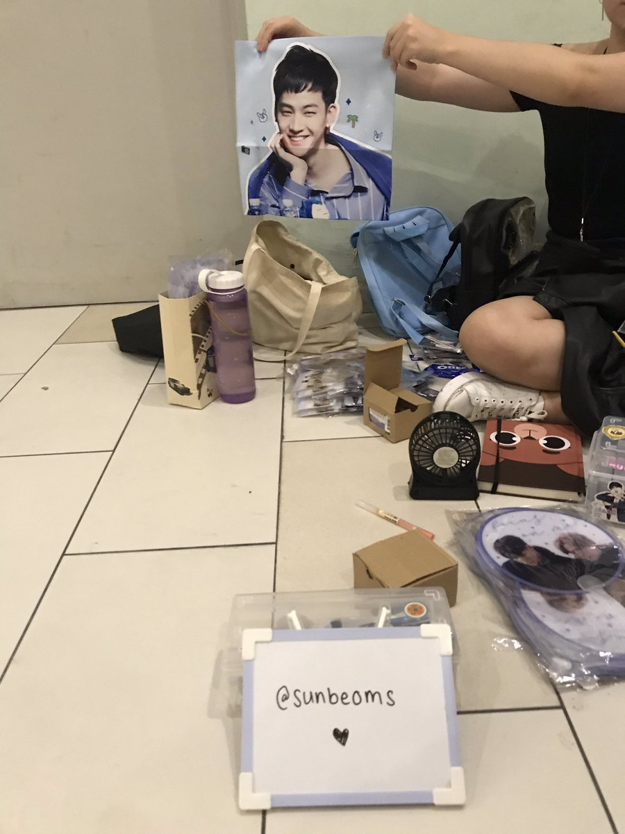 hi friends!! i'm open for business lmao come up to me for the free photocards huhu   #Jus2_FOCUSTOURinsg #Jus2inSINGAPORE #Jus2inSG #Jus2 #JB #Yugyeom<br>http://pic.twitter.com/Hj1JiJBysL