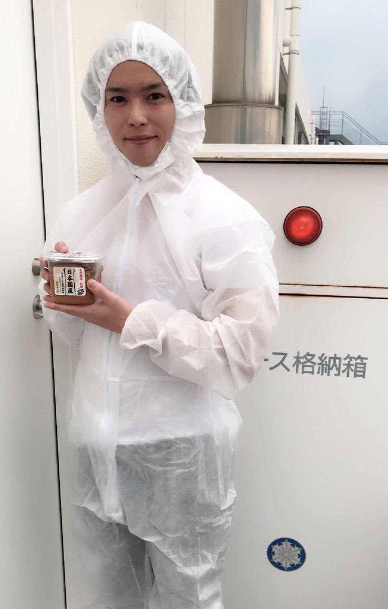 高校を卒業し親に迷惑をかけたくなかった俺はすぐに大手食品会社に就職をし味噌工場へと配属になり3年間毎日ハードなロードワーク…人生1回きりと考えた俺は夢を持って東京に上京。そして今や1店舗を任される人材にまで上り詰めた。まさにbefore after!#groupBJビフォーアフターコンテスト