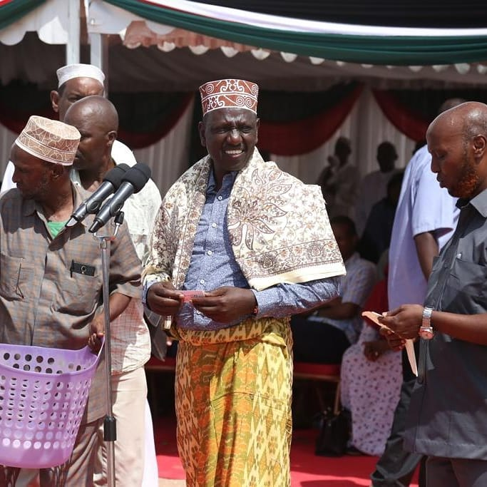 Keep off matters islamic with stolen funds, Ruto told off as he takes Sh  61M to Mosque | Kenya Breaking News