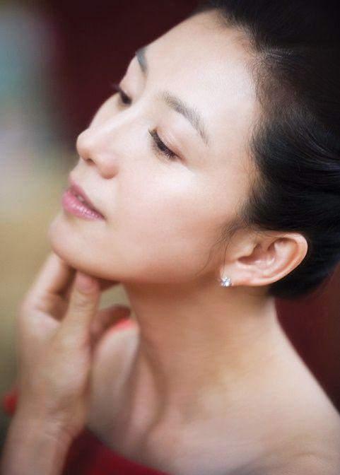 韓国女優たちはみんなやっている。そして、日本でも美肌偏差値の高い人たちはやっている方法。それは顔脱毛。やってみると、本当に韓国人のようなツルツル肌になれるのでびっくり♡