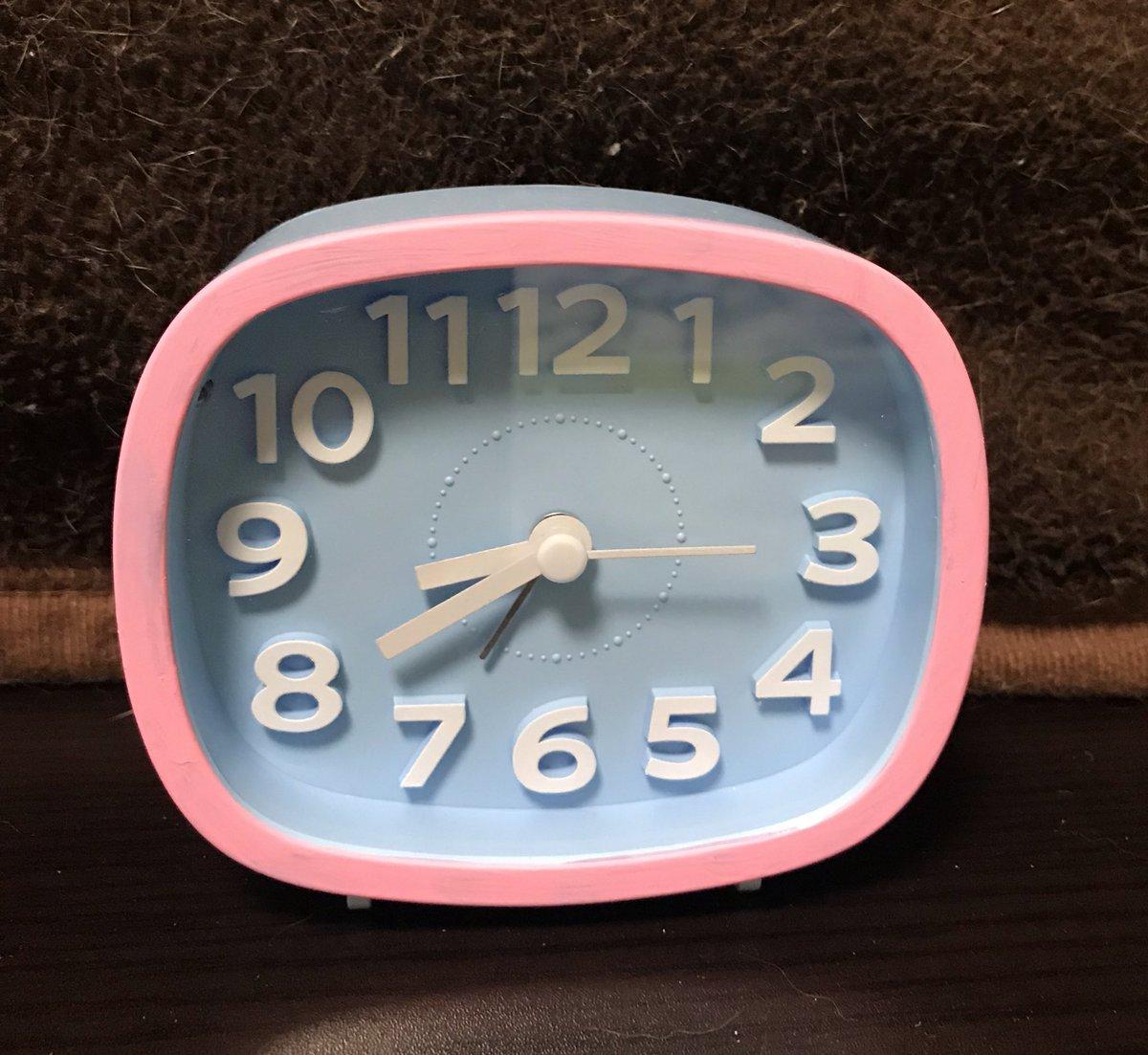 test ツイッターメディア - #ダイソー で買った水井300円時計にペインティングして #サガン鳥栖 カラーに!😆👍 あ、時計時間ずれてた。(笑)なう(2019/05/04 20:53:41) https://t.co/HDwwv36fj0