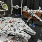 Image for the Tweet beginning: A supersized Millennium Falcon #brickslopes
