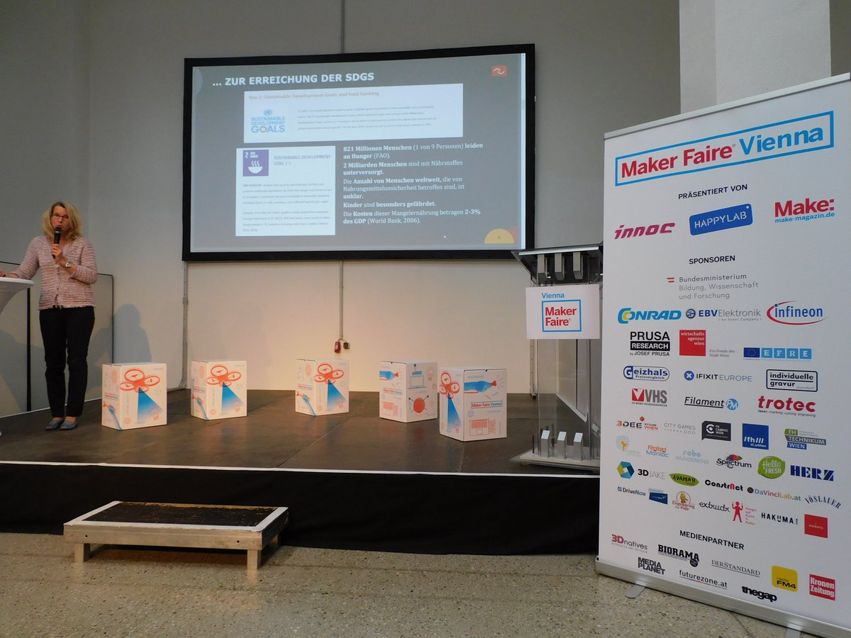 4 Persoons Design Bank.Maker Faire Vienna 4 5 May 2019