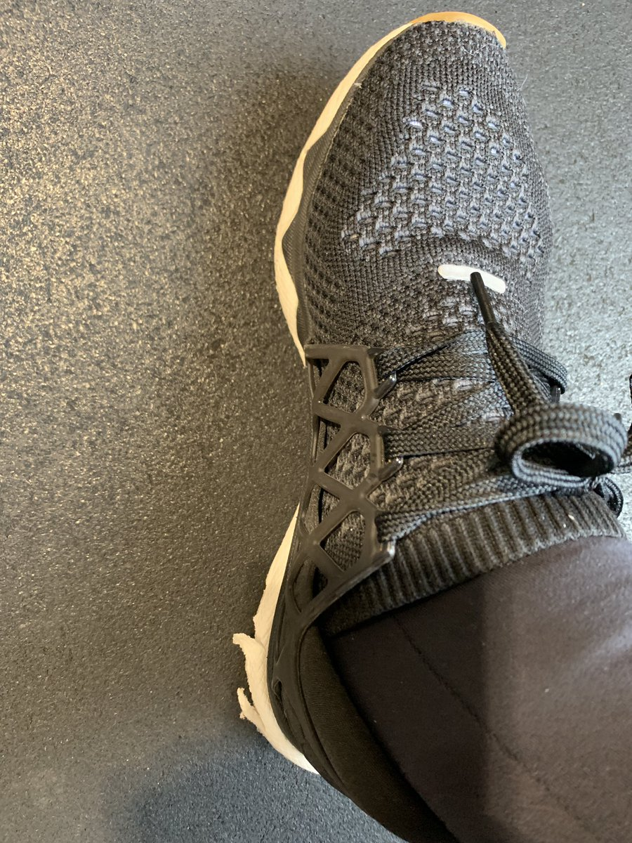 Worst quality ever @Reebok I payed 150$ couple months ago to come back to workout and see my shoes disintegrating!! 😱😡
