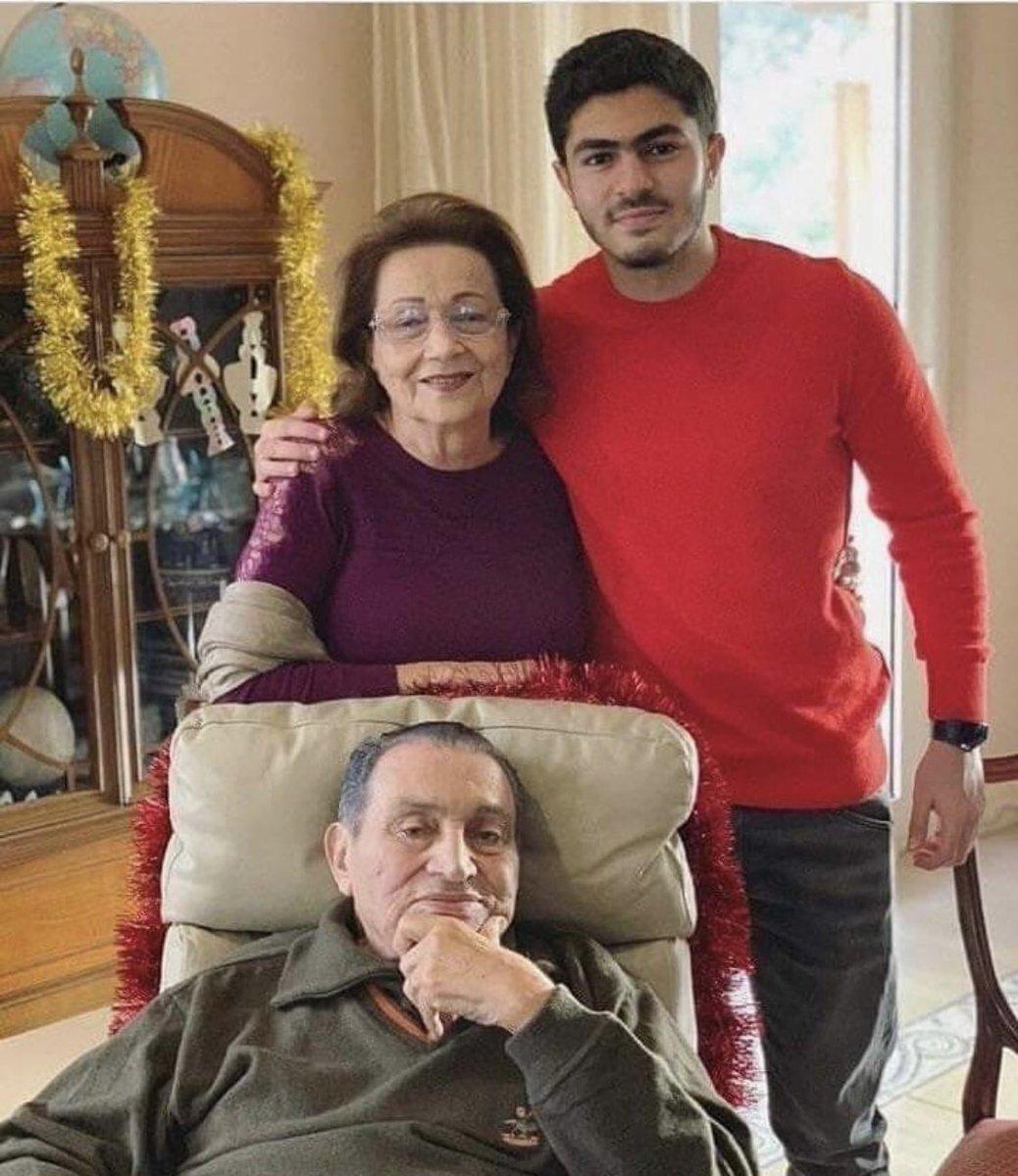 حكم نهائي ببراءة الرئيس المصري السابق حسني مبارك من تهمة قتل متظاهرين D5vugGsUUAEUWnF
