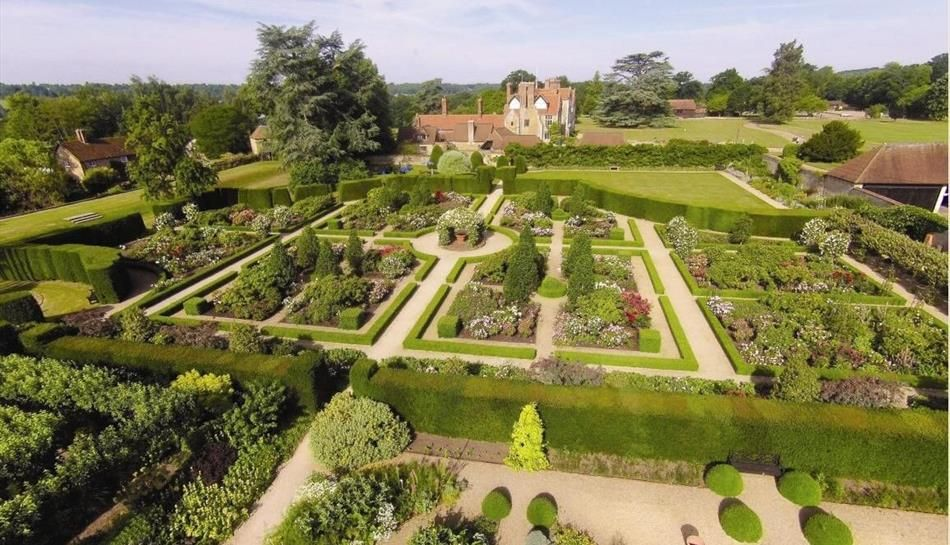 RT @VisitSurrey Beautiful Loseley Park has opened its doors for the season.  Take a tour of the house and explore the stunning walled garden. Find out more: https://t.co/3OUv750K0r @LoseleyPark