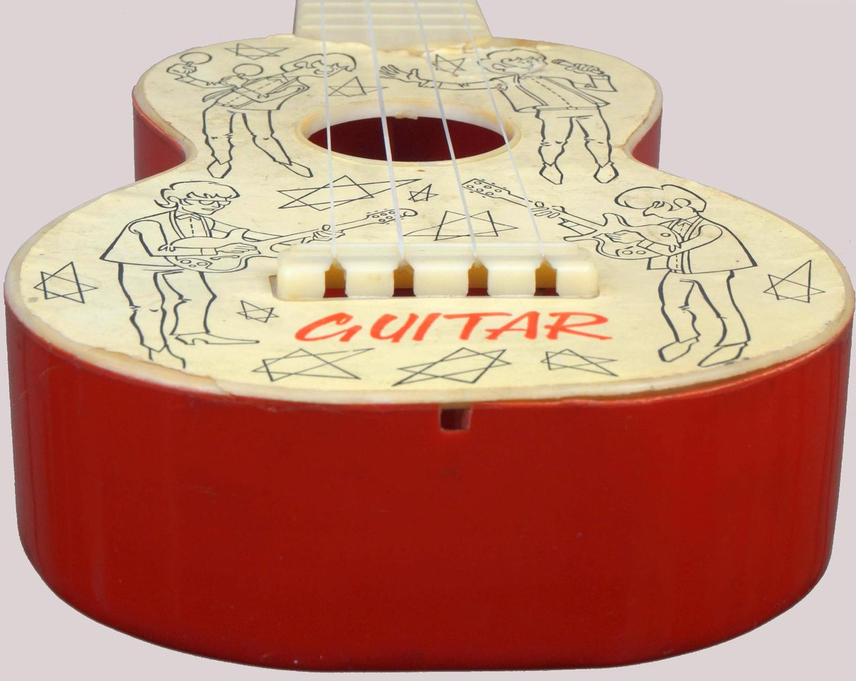 beat guitar plastic model 394 Soprano Ukelele