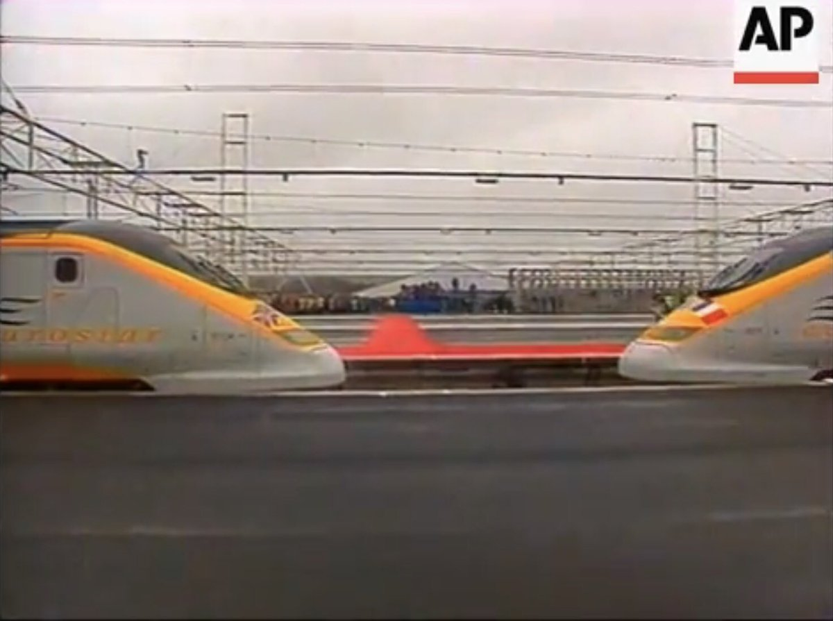 D5zGjGVXoAA 7x9 - The Channel Tunnel 25 years on