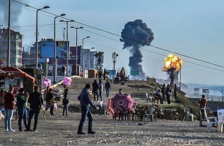 Gaza under violent shelling this moment  #gaza #Palestine