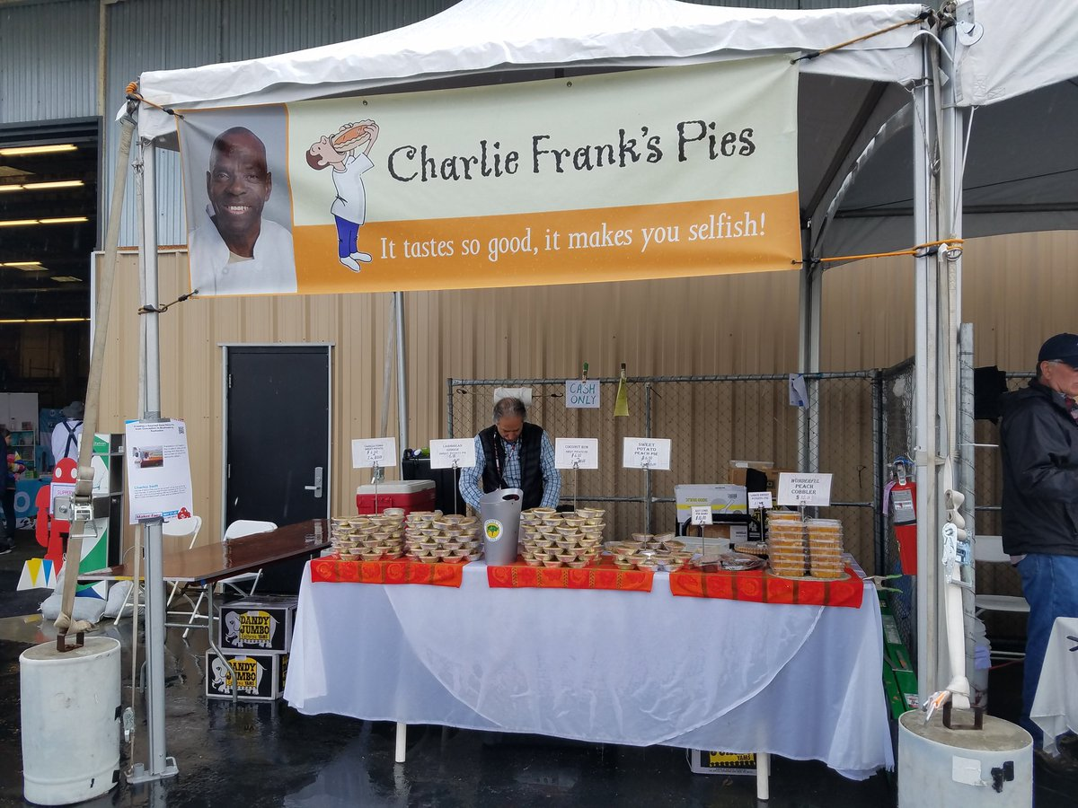 No visit to @MakerFaire Bay Area is complete without a taste of Charlie Frank&#39;s sweet potato pie! Great pies, and a past supporter of #piday at @FresnoIdeaworks! #delicious #soulfood<br>http://pic.twitter.com/BkN71sQcHo