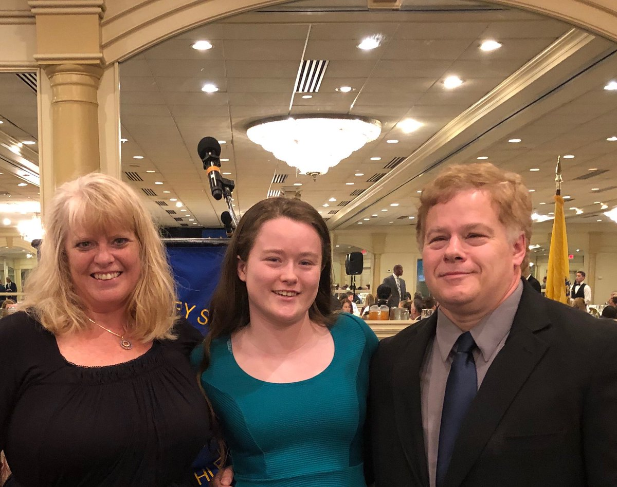 Great to see two girls from the Henry/Hudson keyport girl varsity soccer team were winners of the scholar athlete scholarship! Nicole Frasciello From HHRS too <br>http://pic.twitter.com/eZmSeerAWW