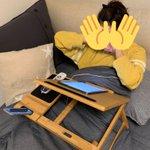 この机があればベッドでゴロゴロしながら作業出来るぞ!!コストコで買える!!