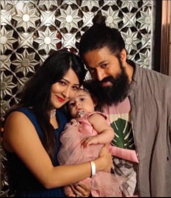 Yash Boss & Radhika Pandit Athge With BABY YR😘❤ Tweet