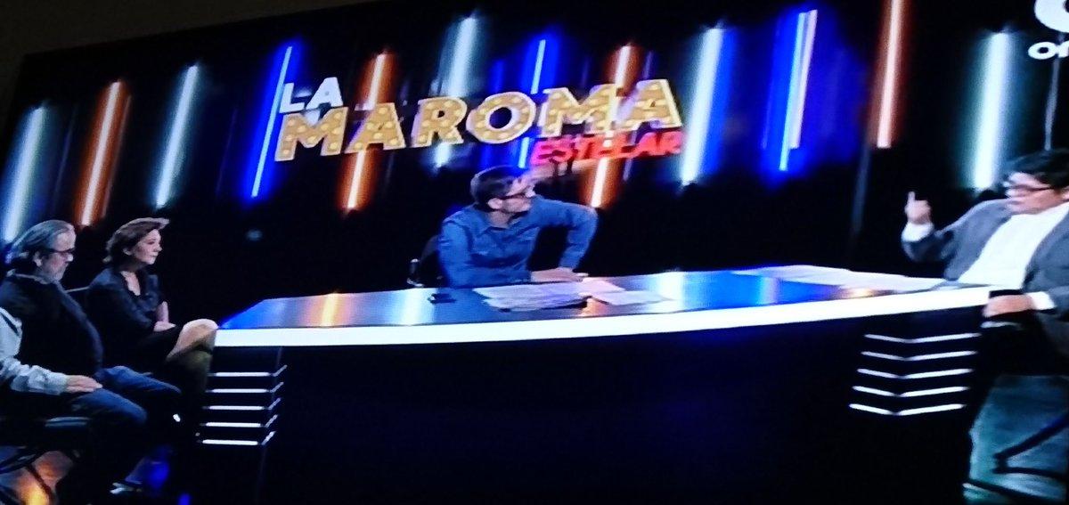 """Empezó dándole unos llegues #LaMaromaEstelar @LaMaromaEstelar a los #FakeNews de la derechairiza, van a rasgarse las vestiduras También hay maroma sobre el perdón """"pedido"""" a #España @Marxvan51 @gibranrr @HernanGomezB @CanalOnceTV"""