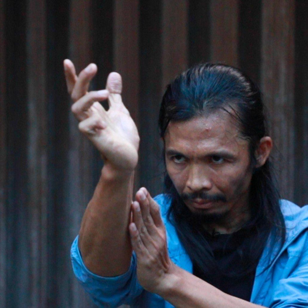 [Video terpopuler] Saat Yayan Ruhian dan Cecep Arif Rahman bersilat melawan Keanu Reeves.  Untuk video selengkapnya, saksikan di sini >> https://bbc.in/2VJtUOJ