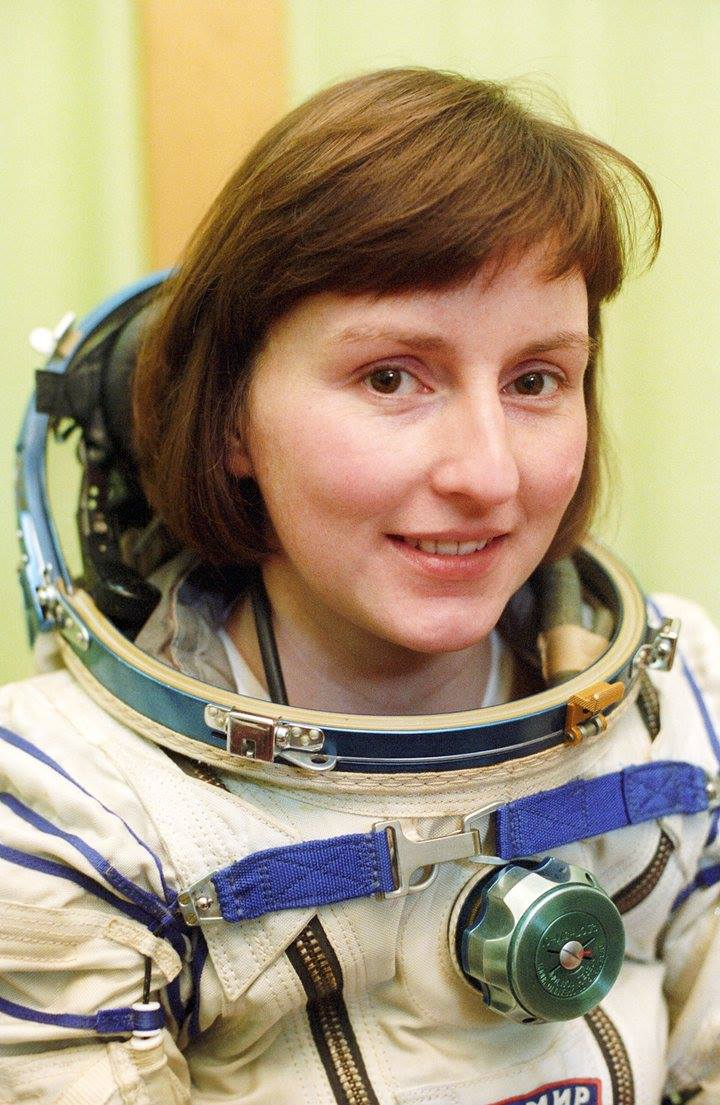 #OTD 18 May 1991, British cosmonaut Helen Sharman was launched  into space on board a Soyuz spacecraft, the 1st Briton and 1st European woman in space. With Anatoli Artsebarsky and Sergei Krikalev, she orbited Earth for two days before docking with #Mir (Pic: TASS/A. Pushkarev)<br>http://pic.twitter.com/OtysN4Na5C