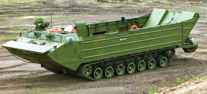 إندونيسيا تدعم جيشها بناقلات حربية برمائية روسية