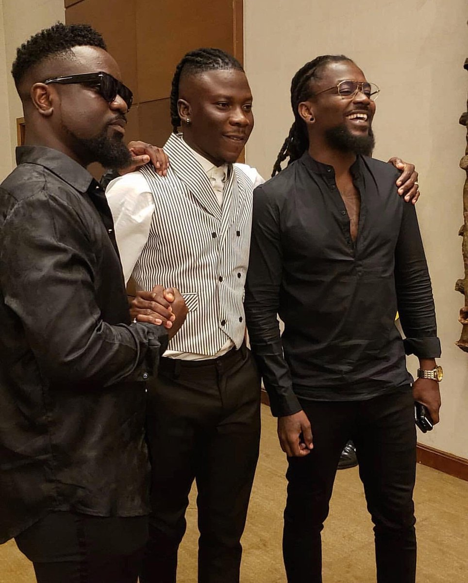 Too much greatness in one pic . And once again the mischievous brother amongst the 4S&#39; was absent at #ArtisteOfTheDecade Dinner... Oh daabi daabi! Opana dey like p3s3 menko menya so he no go   #VGMA2019 #VGMA20   #VGMA2019 #VGMA20<br>http://pic.twitter.com/ADNwpZe4fY