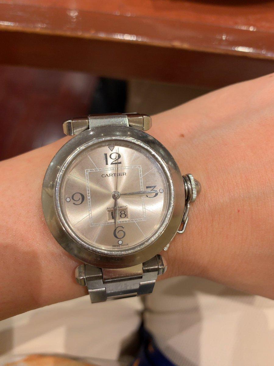 20年前、就職祝いに親から買ってもろた身分不相応な時計自動巻だから、夜は回る箱に入れてるんやけど最近よく止まっちう(⁎⁍̴̆Ɛ⁍̴̆⁎)中のお掃除とか出さないとあかんのかしらん??