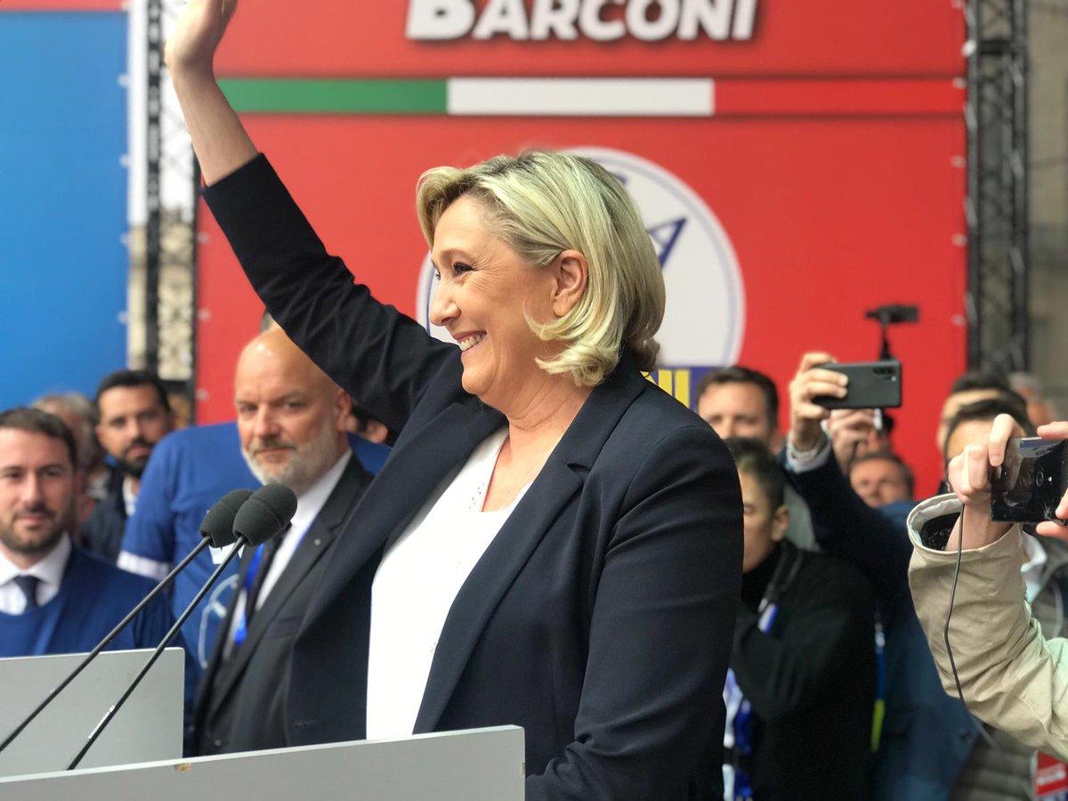 Matteo Salvini's photo on Le Pen
