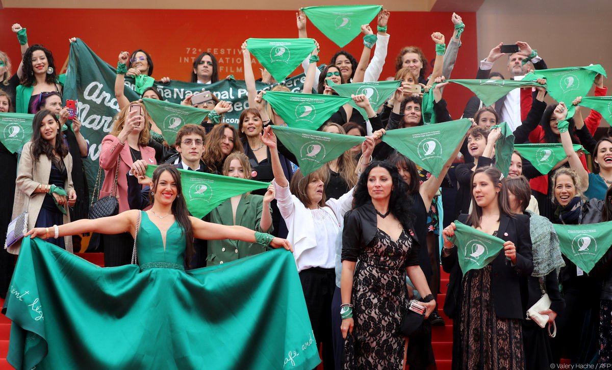 Foulards verts Cannes