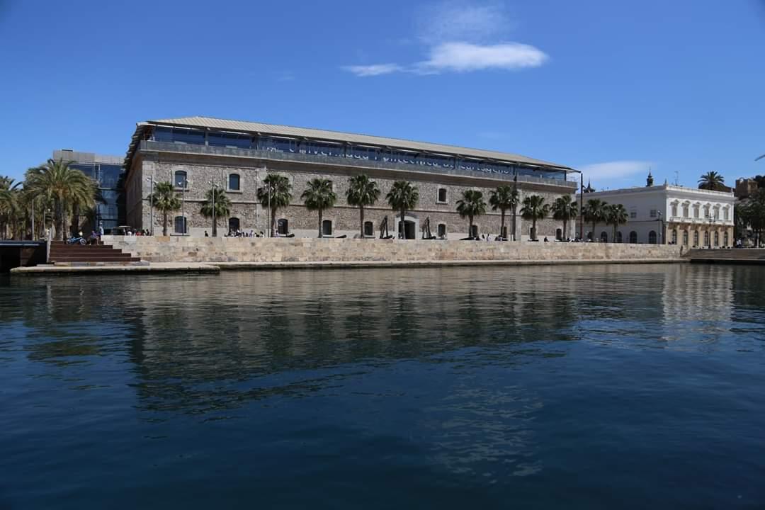 ¡Así de bien luce el Museo Naval de Cartagena en el #DIM2019 y la #NocheDeLosMuseos! Anímate y comparte tus fotos con nosotros. 😉 #PhotoMW #MuseumWeek #MuseumWeek2019 #MuseoNavalCartagena #MuseosDeDefensa