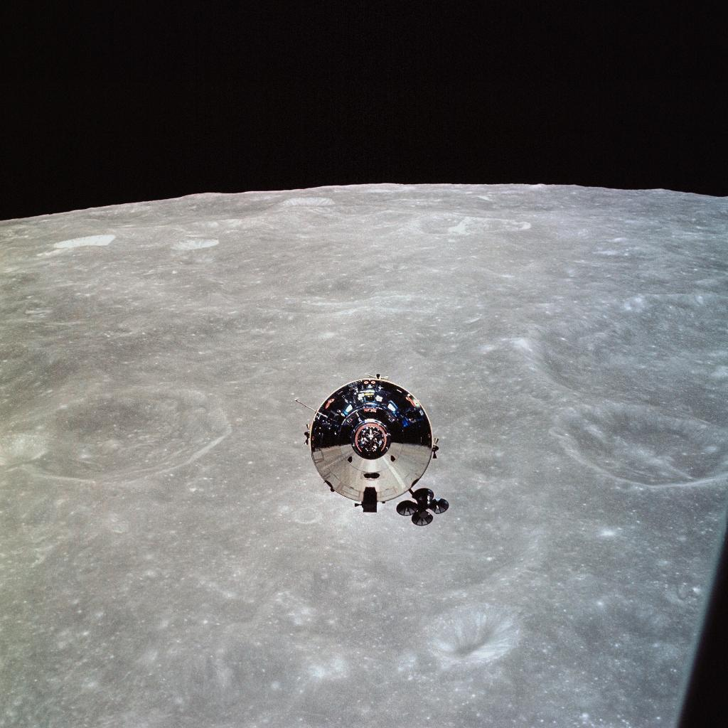 Before Apollo 11, Apollo 10 helped sort out all the unknowns to make a Moon landing possible. 50 years ago, @NASA_Astronauts Tom Stafford, John Young and Gene Cernan traveled to lunar orbit, sending home the first color TV images from space: go.nasa.gov/2Q7b9yC #Apollo50