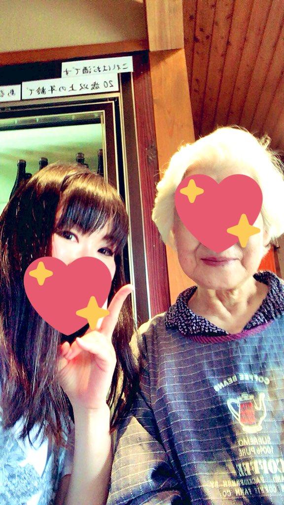 白龍さんは素敵なおばあちゃんが対応してくれました。杜氏である息子さんが急逝し、二人の孫(姉妹)の妹さんが私の代で潰したくない、とのことで勉強を始め、東京で就職していたお姉さんが営業として戻ってきて、今は若手メインでやってるとのこと。杜氏の妹さん26歳だって!若いねー((>_<)