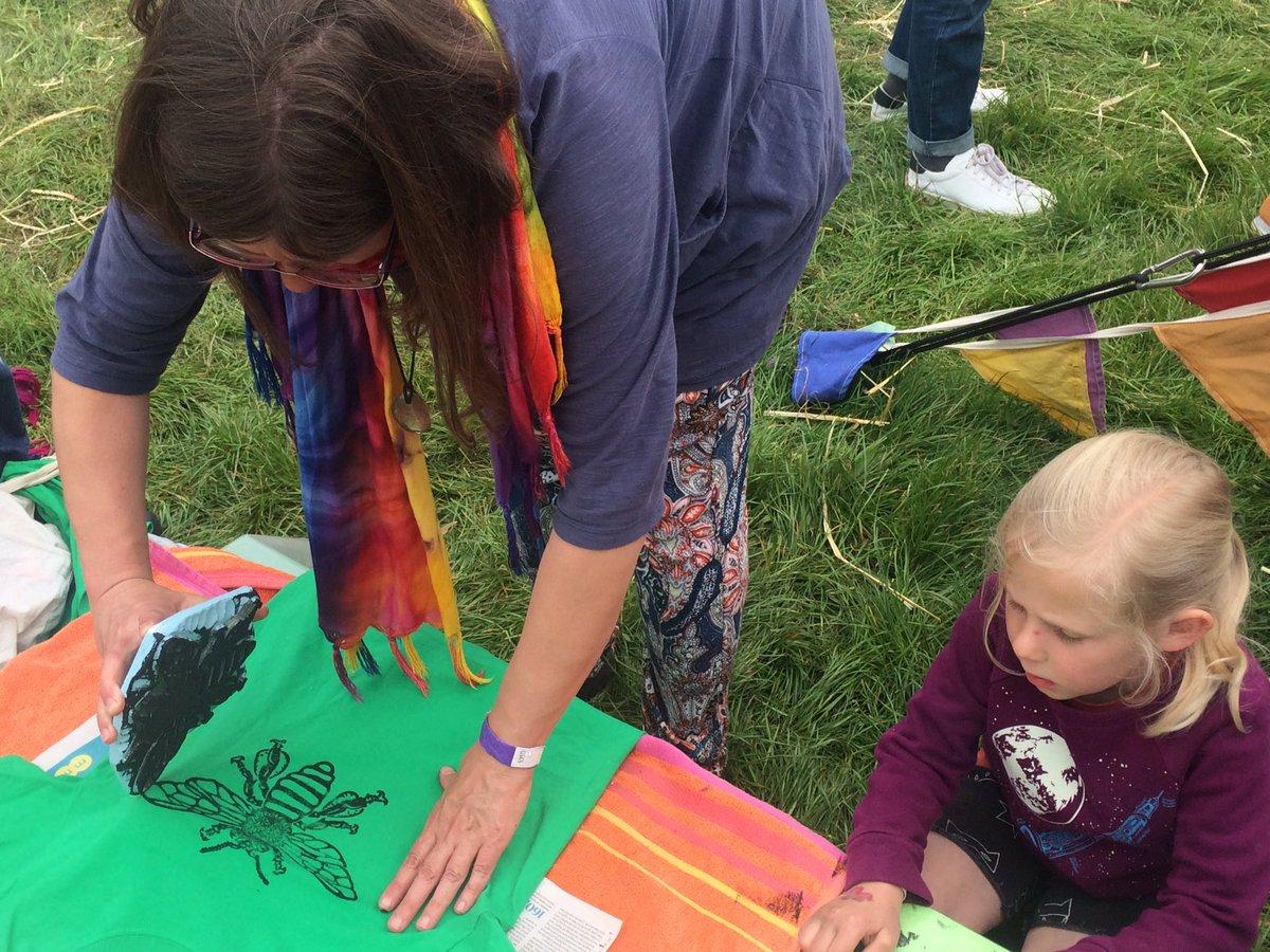 Printing @ExtinctionR t-shirts at #WoodFestival Oxfordshire  @XR_Oxford https://t.co/iduB1dmBuX