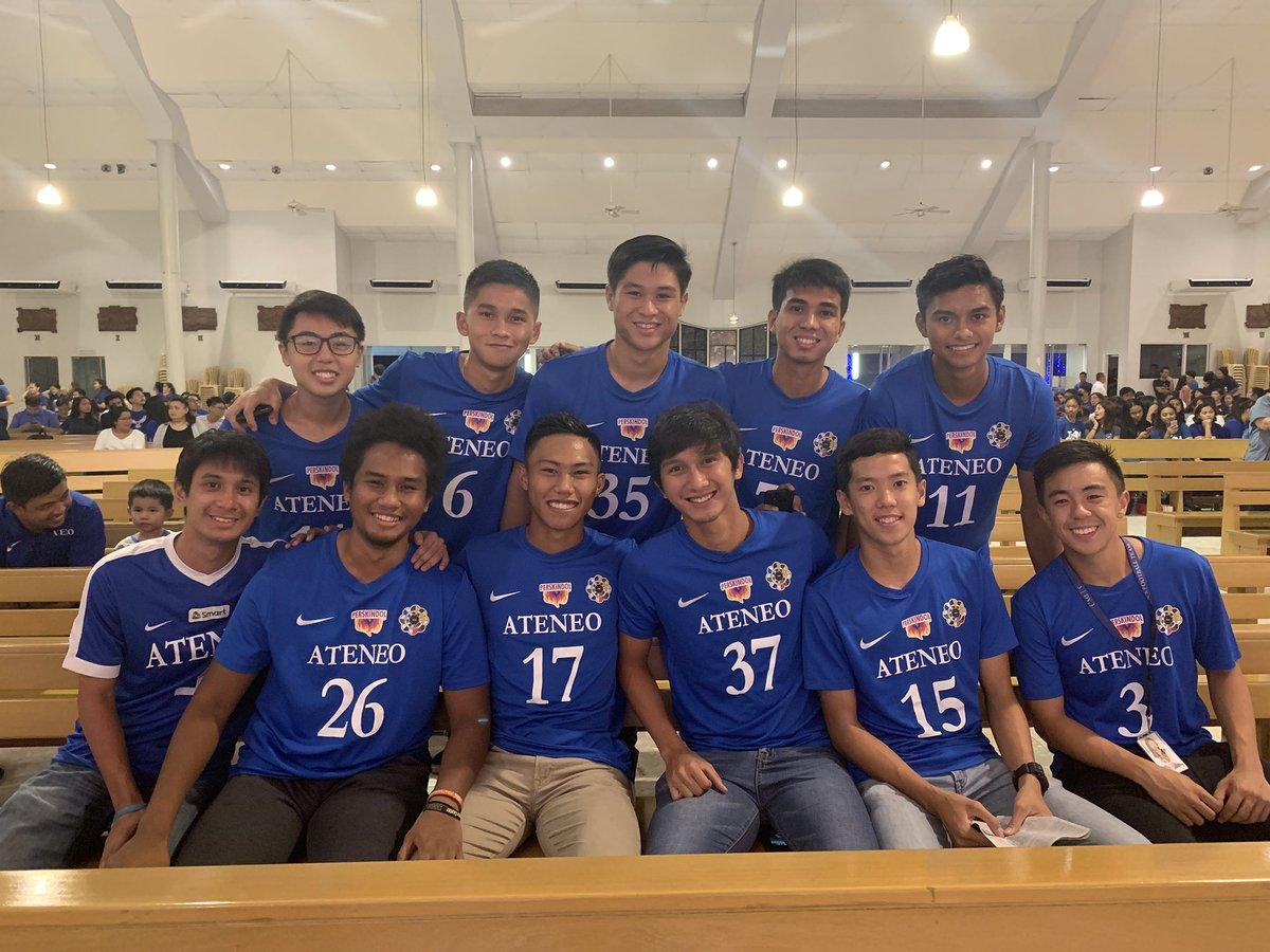LOOK: The Ateneo Men's Football (@AteneoMFT) Team has arrived in the Church of Gesu. #AteneoThanksgivingMass