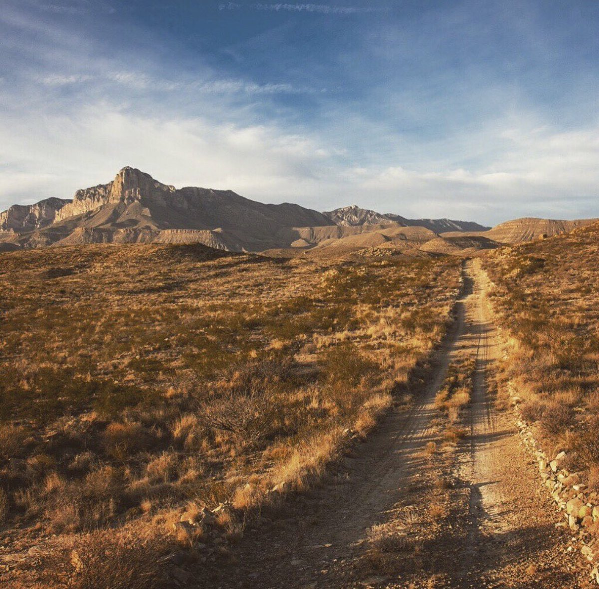 &quot;I&#39;d rather wake up in the middle of nowhere than in any city on Earth.&quot;  — Steve McQueen   Guadalupe Mountains in west Texas.   °•✫   #SaturdayThoughts #saturdaymorning #travel #nationalparks<br>http://pic.twitter.com/JnQ4NzbJSf