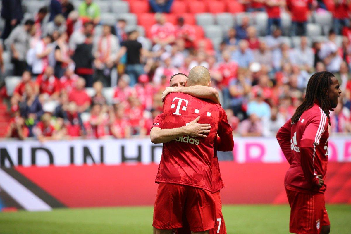 Ribery và Robben nghẹn ngào chia tay Bayern