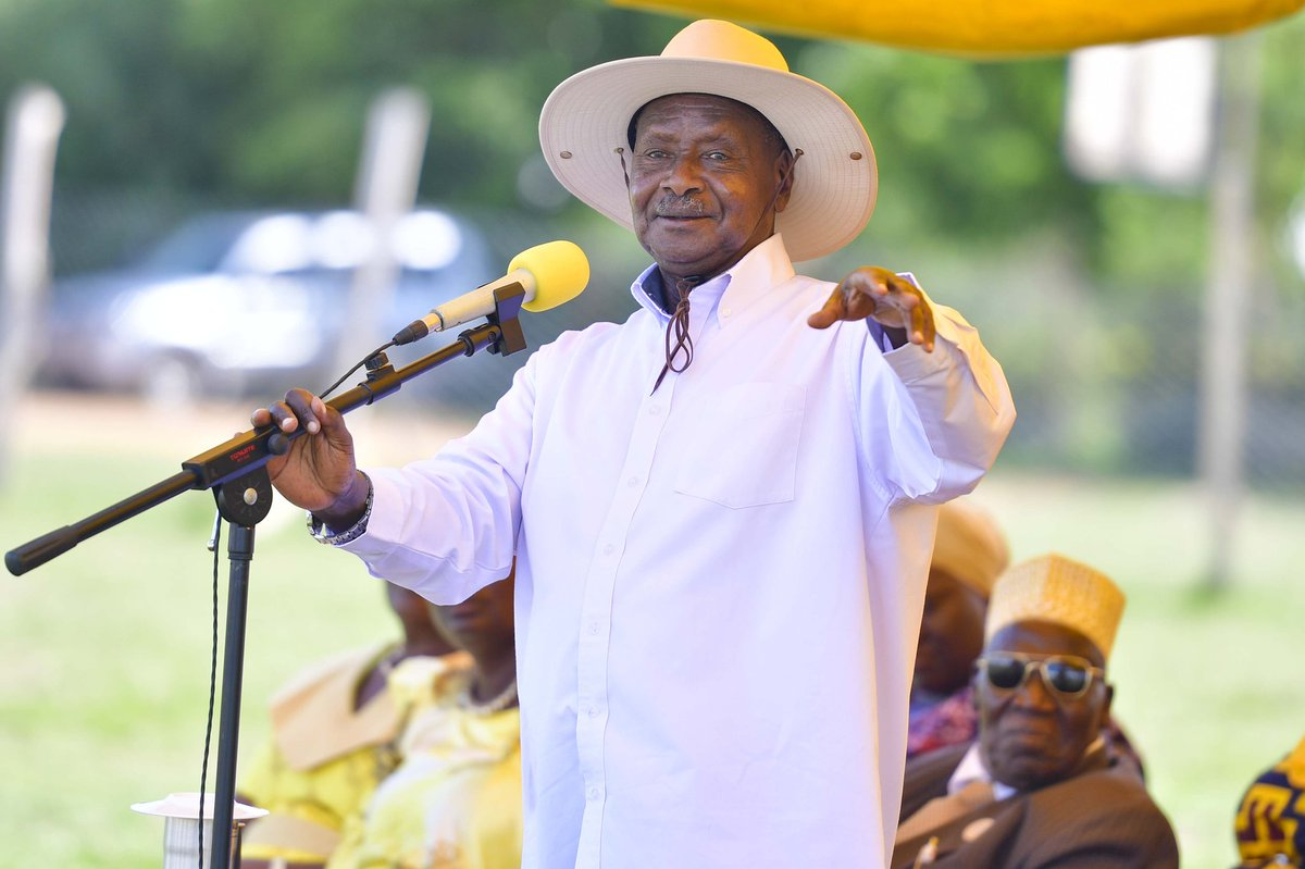 "QUOTE: ""You came here to this rally but you will go back to your homes and still find poverty waiting for you and you will be greeted by it,"" Museveni as he addressed a rally in Lira District #MonitorUpdates<br>http://pic.twitter.com/RJN5G5tILX"
