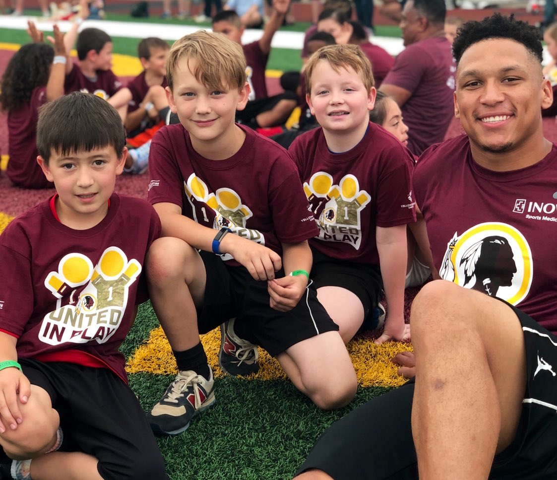 On #ArmedForcesDay2019 we teamed up with @yellowribbonsun to host 1️⃣0️⃣0️⃣ kids for the 2nd annual United in Play event! Thanks to all the @Redskins Rookies who joined us for a day of fun activities bridging the gap between military & civilian children 🙌🇺🇸