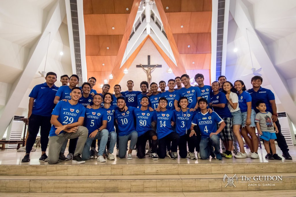 That concludes coverage of this year's #AteneoThanksgivingMass. See you on May 24 at the Ateneo Bonfire! Photos by Zach Garcia (@zachygarcia)