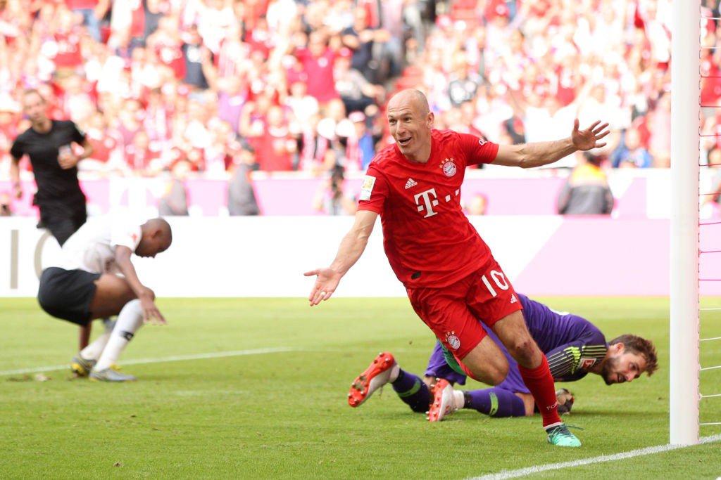 Talk Chelsea's photo on Bayern