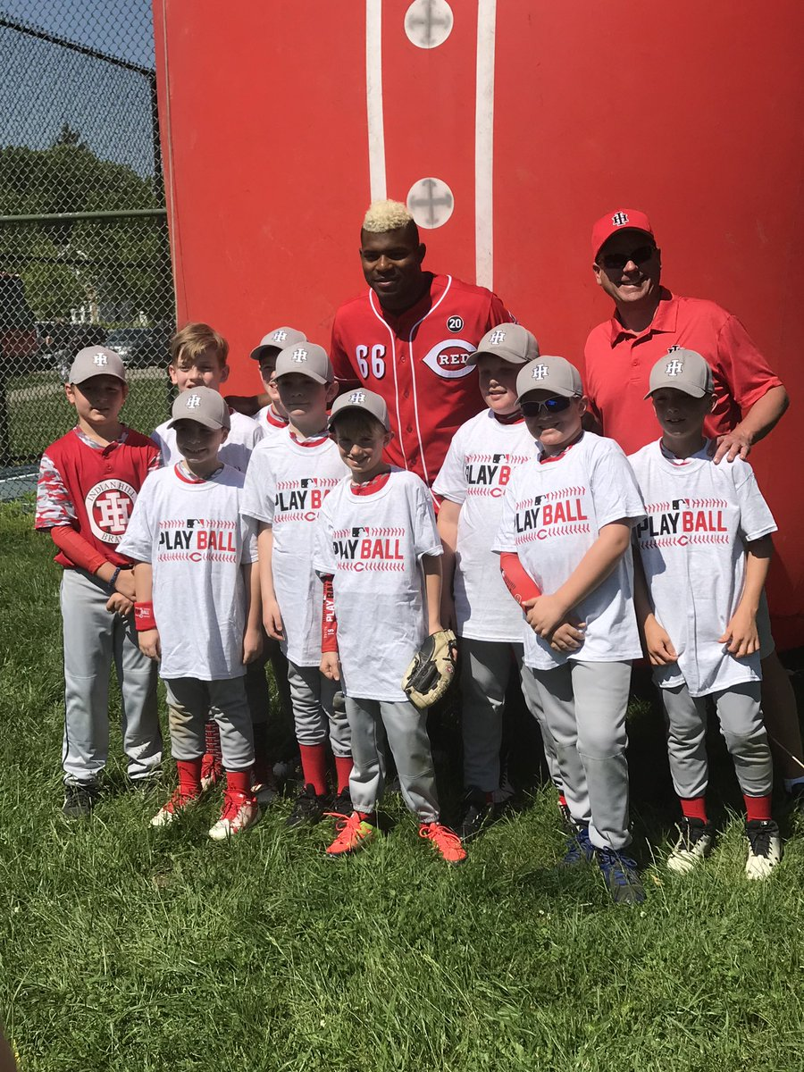 I have so much fun surprising these little league teams today! #mlb #playball #kids #baseball #softball