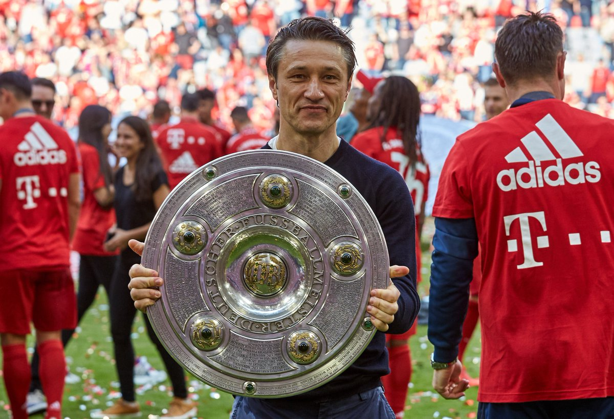 ℹ Dürfen wir vorstellen: Niko #Kovac, der zweite Mann in der #FCBayern-Geschichte neben Franz #Beckenbauer, der #MEIS7ER als Spieler und Trainer wurde!  Chapeau! 🎩 #MiaSanMia