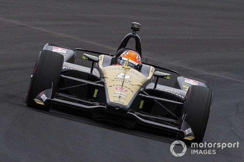 Hinchcliffe shunts on initial #Indy500 qualifying run - tinyurl.com/yxa23a5b @IndyCar @IMS
