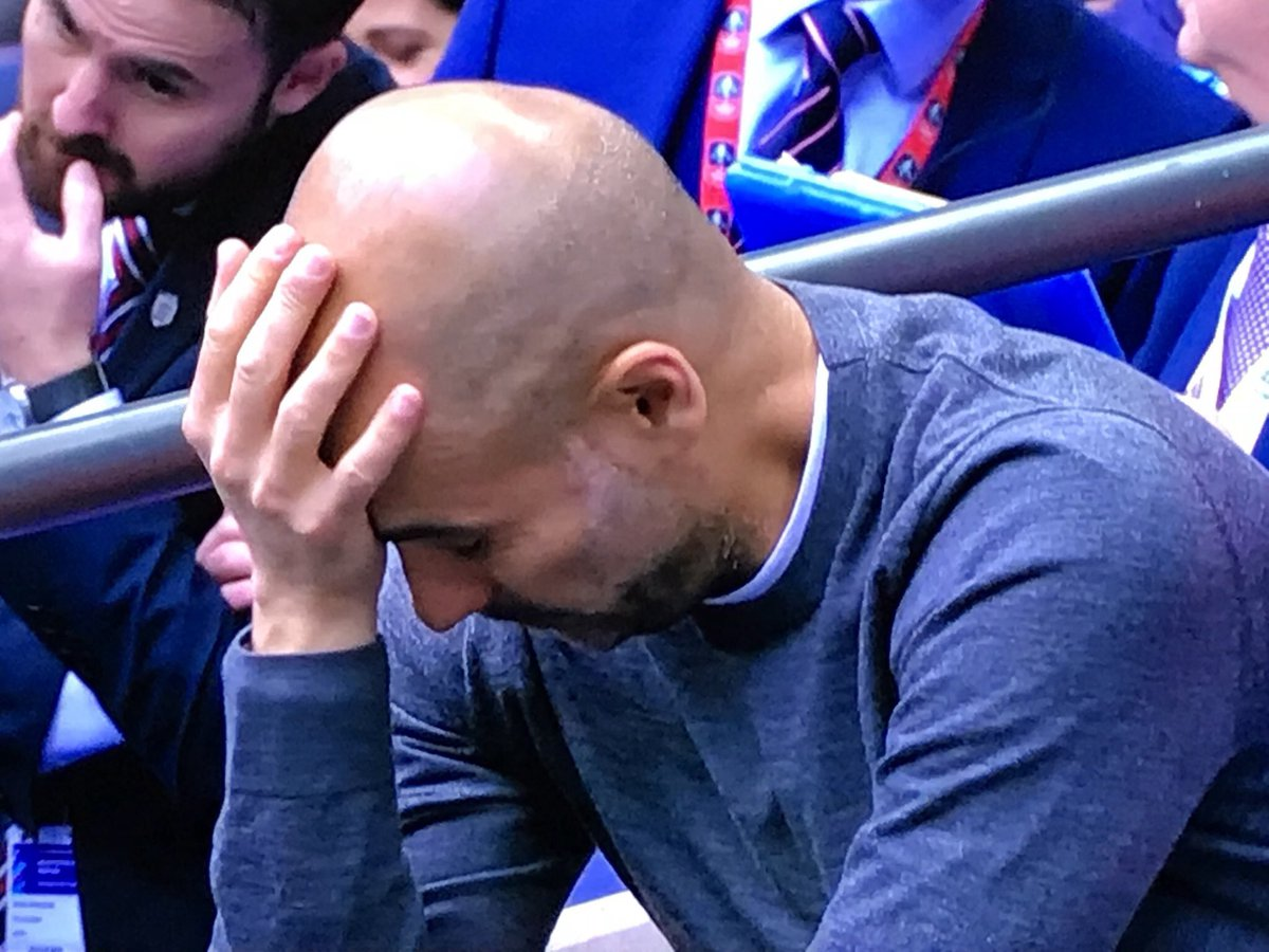 When you have to listen to Wonderwall for the 5,000th time this week #FACupFinal