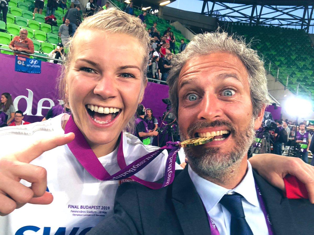 Et voilà une de plus @AdaStolsmo #Croquage #Medal #Dentiste @OL @UEFAcom_fr @UWCL